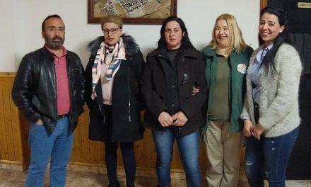 La nueva agrupación socialista de Saucedilla se reúne con el secretario provincial del PSOE