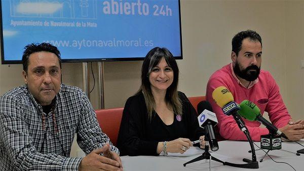 La alcaldesa informa sobre el indicente sucedido en la quema de la sardina de Navalmoral