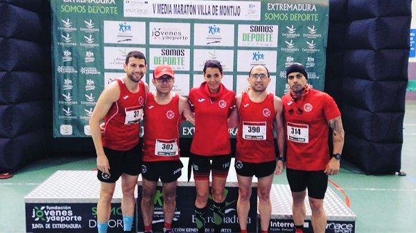 Jorge Campos del CD Navalmaratón, 2º de su categoría en la V Media Maratón de Montijo