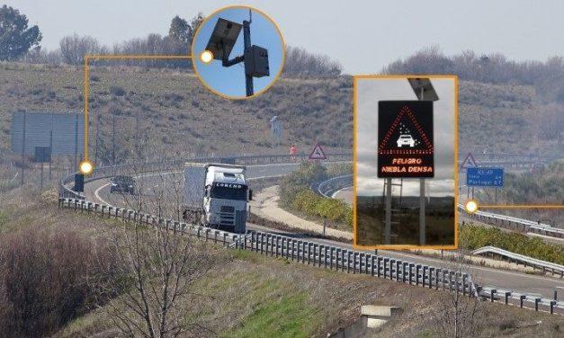 La Junta aplica tecnologías innovadoras para prevenir accidentes de tráfico por hielo negro y niebla en las carreteras