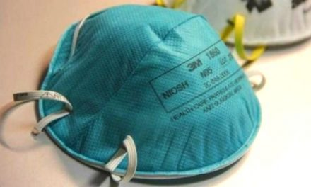 El SES reparte 21.530 mascarillas, en dos días, a las 8 Áreas de Salud extremeñas