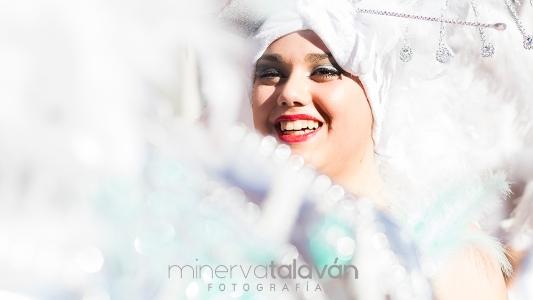 Minerva Talaván, la elegancia capturada en el Desfile Grande del Carnavalmoral 2020
