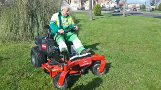 El Psoe moralo recuerda las contrataciones realizadas para reforzar el equipo de jardinería