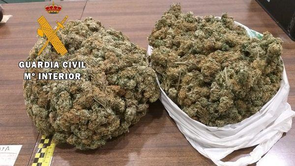 Detenido un conductor moralo que transportaba más de un kilo de marihuana en su vehiculo