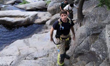 (ACTUALIZADO) Fallece un joven de 21 años al precipitarse por una cascada en Villanueva
