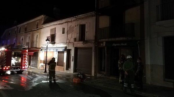 Una mujer, herida al lanzarse por el balcón de su vivienda que se encontraba ardiendo, en Guadalupe
