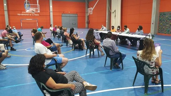 Los grupos políticos del Ayuntamiento moralo firman un manifiesto en favor del soterramiento