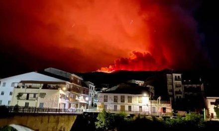 La Junta solicita ayuda al Gobierno de España para el incendio del Valle del Jerte