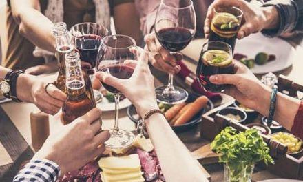 Extremadura limita las reuniones familiares a un máximo de 15 personas