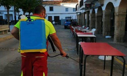 Las Brigadas de Limpieza mancomunadas desinfectan centros educativos y edificios municipales