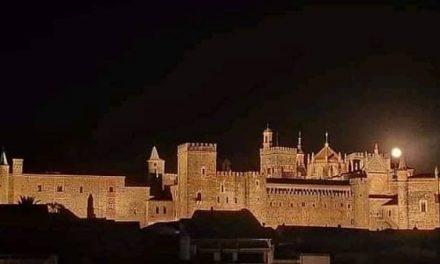 El Monasterio de Guadalupe estrena iluminación exterior
