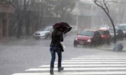 Alerta naranja por la llegada de la borrasca Bárbara con lluvias y viento en Extremadura