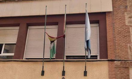 El PP pide a la alcaldesa que cumpla con la Ley y cuide los símbolos y banderas del municipio
