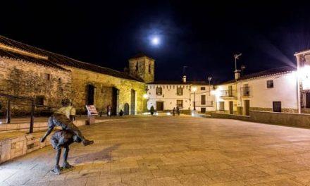 La capilla ardiente de Charo Cordero, instalada en el Ayuntamiento de Romangordo desde las 12:00 h