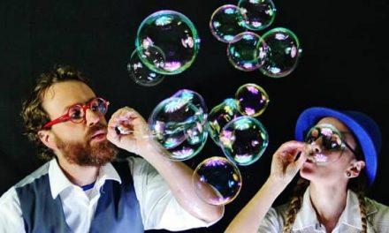 El Festival Mercado de Ilusiones continúa hoy con la obra Burbuja