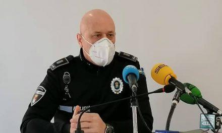 """La Policía Local de Navalmoral recuerda que """"¡Este año no celebramos el Carnaval!"""""""