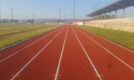 La pista de atletismo de Navalmoral reabre mañana para la práctica deportiva individual