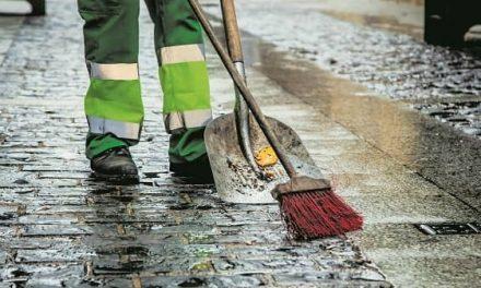 Jaraíz convoca tres bolsas de trabajo para peones de limpieza y recogida de residuos urbanos
