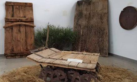 Villar del Pedroso celebra Los Mayos 2021 con la exposición Labrando el Pasado