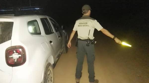 Agreden con bombas caseras los vehículos de los agentes del medio natural de Villanueva de la Vera