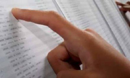 Listado de personas admitidas y excluidas para cubrir 2 plazas de administrativo/a en Ayuntamiento Navalmoral