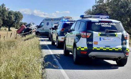 Muere una persona en un choque frontal en la carretera de Rosalejo