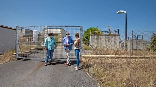 El presidente de Diputación y el alcalde de Talayuela buscan una solución a la depuradora de agua potable