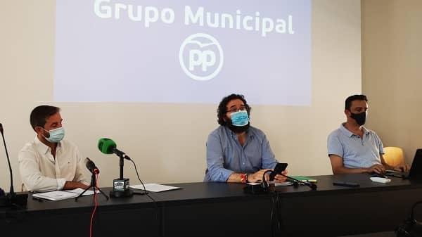 """El PP insiste y culpabiliza a la alcaldesa por la cuenta de """"pagos sin justificar"""""""