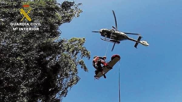 Rescatan a una senderista lesionada con fractura de tibia y peroné en el Barranco de la Hoz en Villanueva