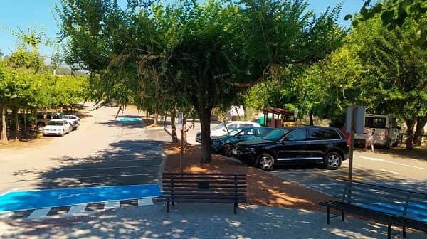 Madrigal de la Vera mejora los aparcamientos y acerados en la Garganta de Alardos