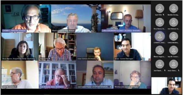 La Plataforma No Al Muro se reune con representantes de cuatro colegios profesionales de Extremadura