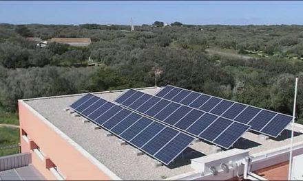 Extremeños propone al Ayuntamiento reducir la factura eléctrica colocando paneles fotovoltaicos