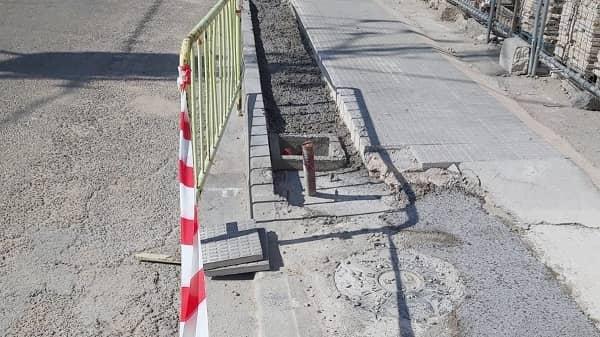 El PP consternado y perplejo con las obras del acerado de la carretera del Cementerio