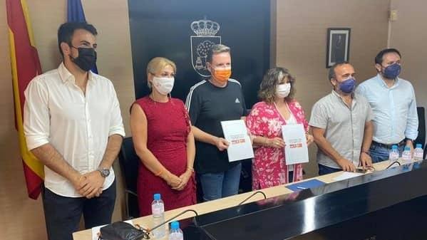 PSOE y Cs firman un importante acuerdo para el Gobierno de Navalmoral