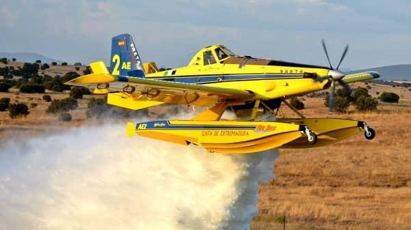 La Junta envía dos aviones anfibios al incendio de Jubrique en Málaga