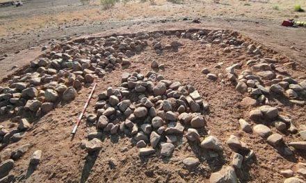 """La estructura del túmulo del dolmen de """"Las Labrás"""" comienza a ser visible"""