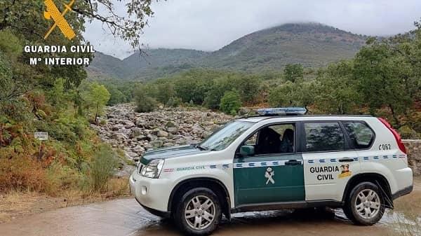 La Guardia Civil rescata en Villanueva a una mujer desorientada por la intensa lluvia