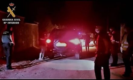 Desalojan a numerosas personas congregadas en una fiesta en Casar de Cáceres
