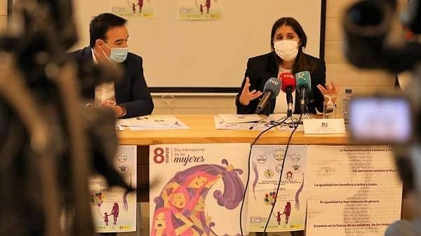 La Junta y Cermi presentan el servicio de apoyo a mujeres y niñas con discapacidad víctimas de violencia de género