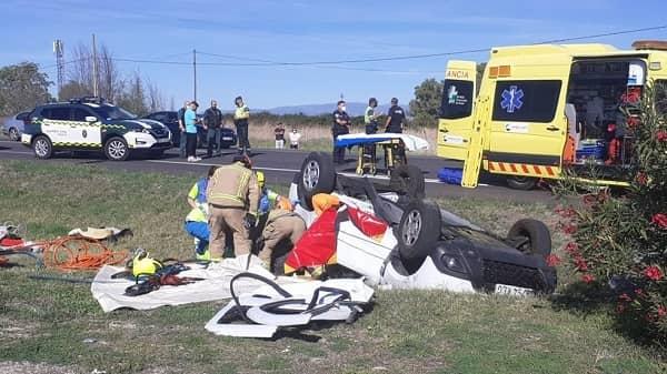 4 heridos en la colisión de dos vehículos a la altura del supermercado Eurospar en Navalmoral